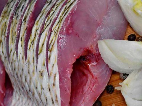 Makreel bakken
